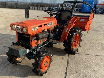 クボタ トラクター ブルトラ B5001 9.5馬力 368時間 ディーゼル 4WD ロータリ付き を買取ました!