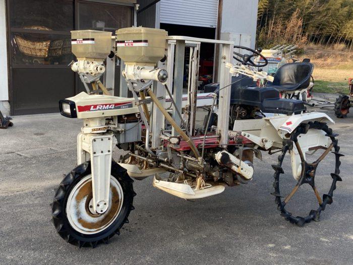 みのる LR-4 LRM4 乗用田植機 ポット植え 条間33cm 側条施肥機付き を買取ました!