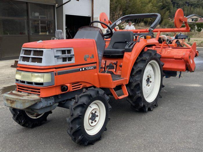 クボタ GT-3 GTA トラクター 654時間 21馬力 PTO逆転 自動水平を買取ました!